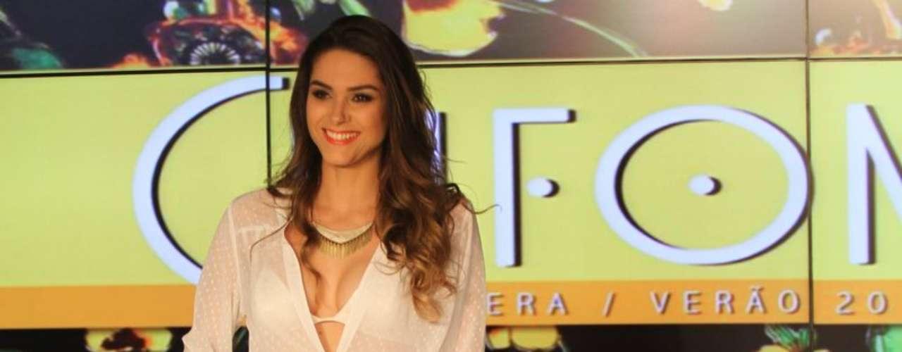 A atriz Fernanda Machado, intérprete da personagem Leila da novelaAmor à Vida, foi a estrela do desfile de verão 2014 da grife Chifon, no Rio de Janeiro