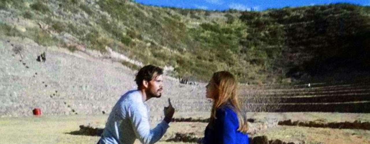 Paloma (Paolla Oliveira) e Ninho (Juliano Cazarré) finalmente se encontrarão após o hippie sequestrar Paulinha (Klara Castanho). Ao rever a amada, ele confessa que raptou a menina para chamar sua atenção e que cabe à médica decidir se deseja viver com eles. Caso contrário, ele afirma que sumirá com a menina