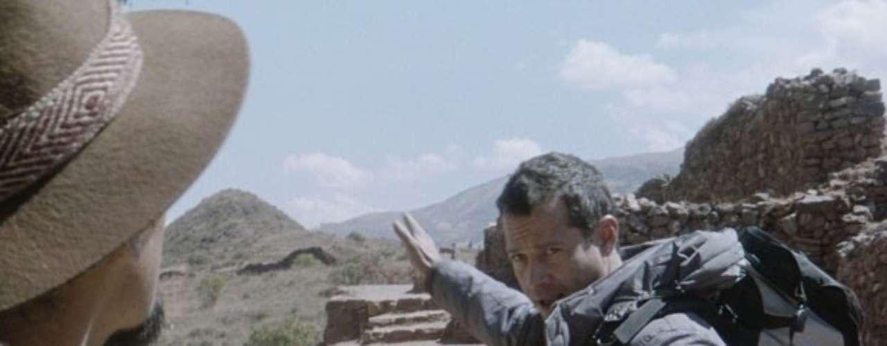 Ninho (Juliano Cazarré) tanto fez que conseguiu separar Bruno (Malvino Salvador) e Paloma (Paolla Oliveira) no Peru. O corretor se perde da amada e fica desesperado. Mas basta ele entrar em contato com Valentin (Marcelo Schmidt) para descobrir o local exato para o qual Ninho pretende levar Paloma. Bruno consegue um guia e começa a trilha