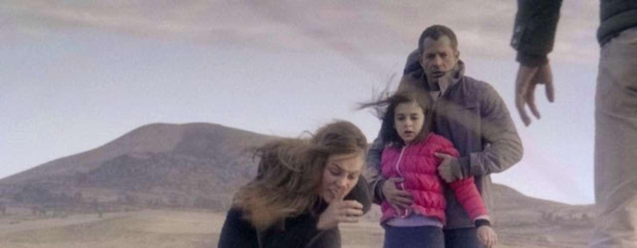 Após bater em Alejandra (Maria Maya), Paloma (Paolla Oliveira) manda a boliviana ficar longe dela e das pessoas que ela ama