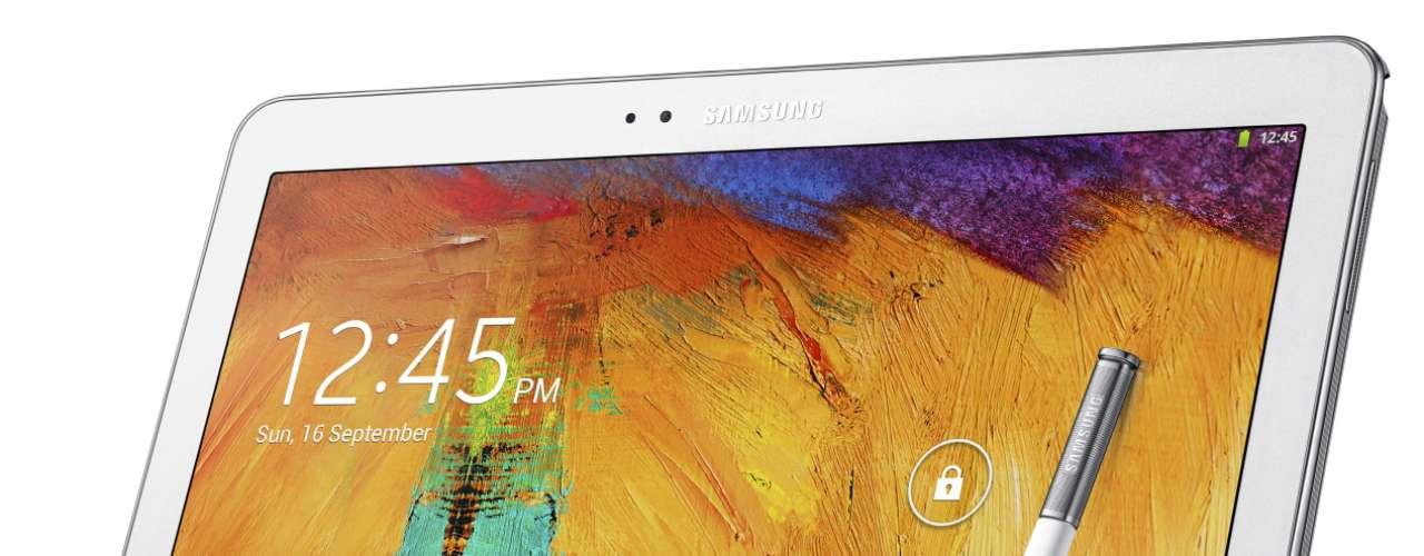 Samsung Galaxy Note 10.1 2014 Edition - tablet de 10,1 polegadas ganhou tela de 2560 x 1600 e funções novas, como a opção de multijanelas - também presente no Note 3. Chega ao mercado global em outubro