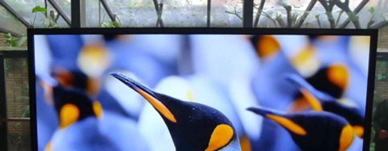 Philips Série 9000 - TV de LED tem resolução 4K, como é chamada a tela de 3840 x 2160, quatro vezes melhor do que a FullHD. Modelo será vendido na europa compreço sugerido de 4,5 mil euros