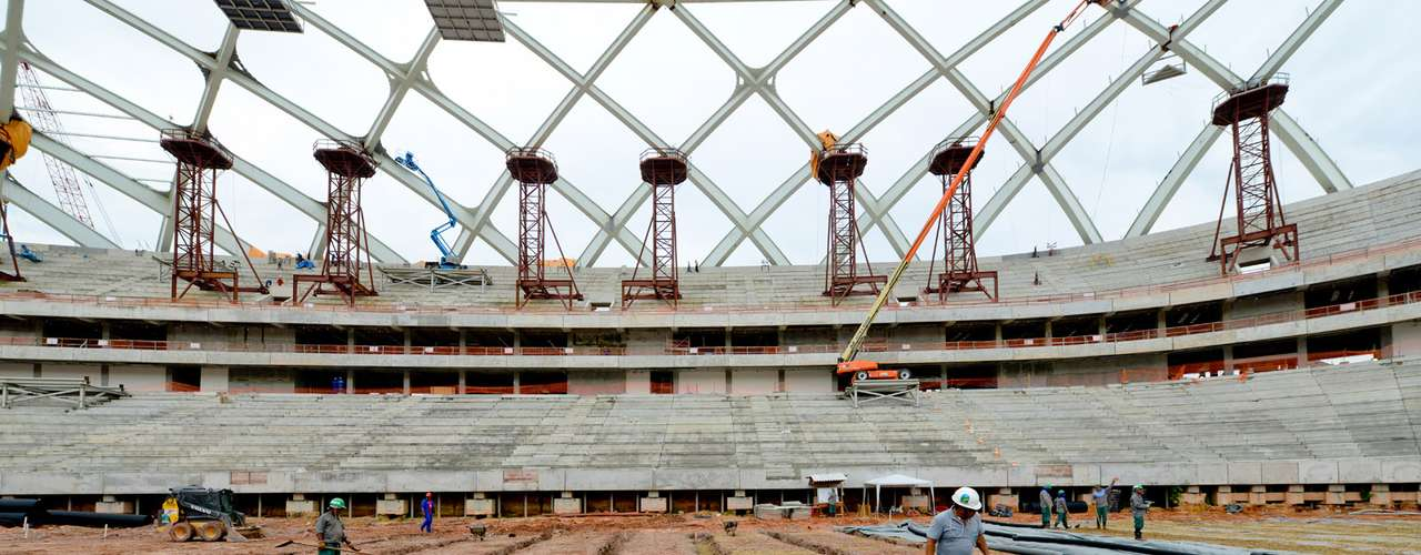11 de setembro: o terceiro e último carregamento com as peças da estrutura metálica da fachada e da cobertura chegou a Manaus, vindo de Portugal. A previsão é que o material seja transportado para a arena em uma semana e então comecem os trabalhos para implantação do mesmo