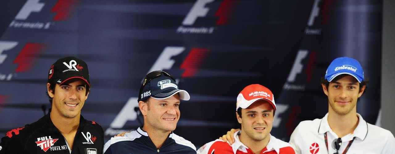Brasileiros na F1: PERDEM Eram quatro pilotos do País na F1 em 2010: Felipe Massa, Rubens Barrichello, Lucas di Grassi e Bruno Senna. Di Grassi saiu no fim daquele ano, Barrichello deixou a categoria no fim de 2011, Bruno Senna perdeu sua vaga no fim de 2012... Enquanto não houver renovação, Massa parece a tábua de salvação dos brasileiros na categoria.
