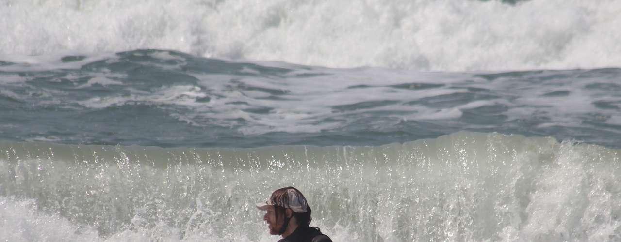 14 de setembro - Calor registrado em pleno inverno levou muitos banhistas às principais praias da cidade