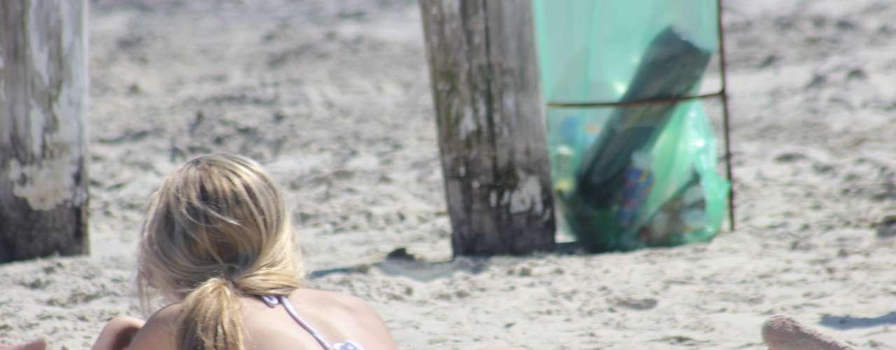 15 de setembro - Calor fora de época agradou a banhistas em praias de Florianópolis