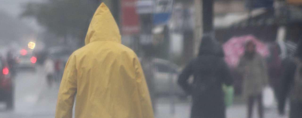 20 de setembro -A Defesa Civil de Santa Catarina emitiu um alerta diante da possibilidade de chuvas intensas e enchente neste final de semana em vários municípios do Estado