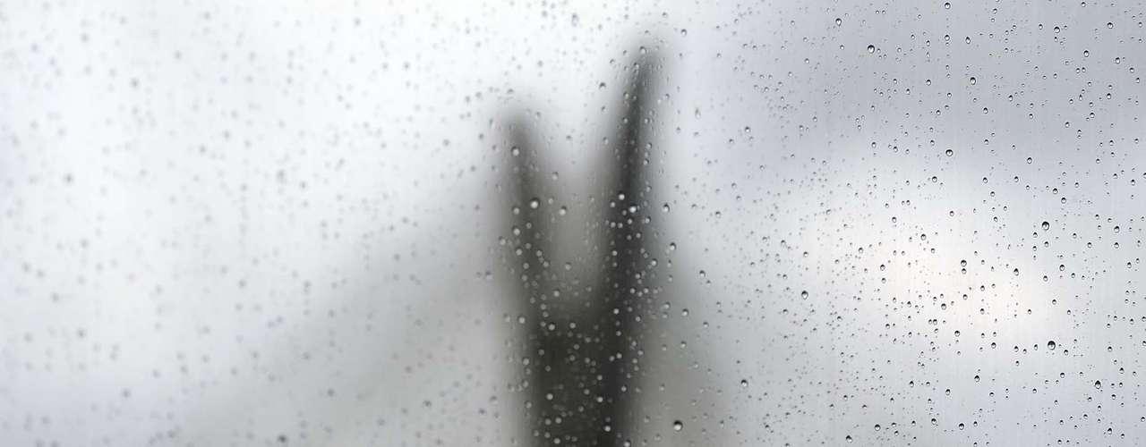 23 de setembro - Após complicar o trânsito pela manhã, chuva volta a cair em São Paulo à tarde
