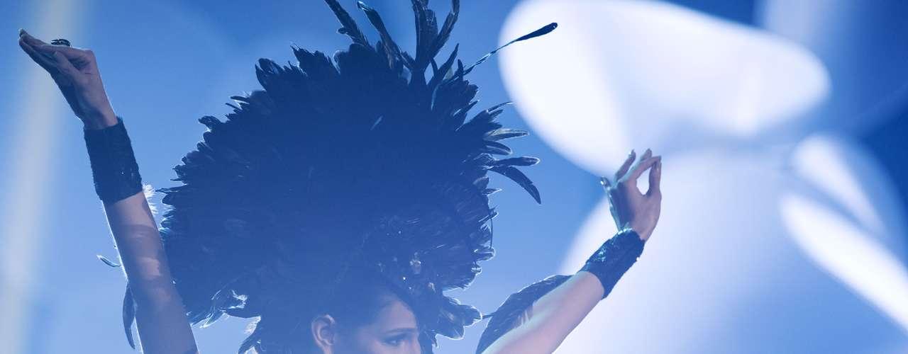 No início desta sexta-feira (27), as 27 candidatas ao título de Miss Brasil 2013 participaram de um momento muito tradicional nos concursos de beleza: o desfile de trajes típicos. O evento aconteceu no Minas Centro, em Belo Horizonte, e contou com as torcidas de cada estado.Na foto, a Miss Ceará