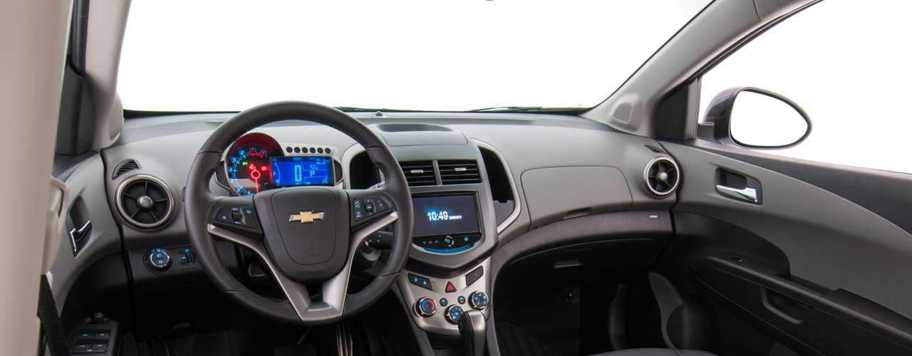Chevrolet Sonic Hatch Effect 2014