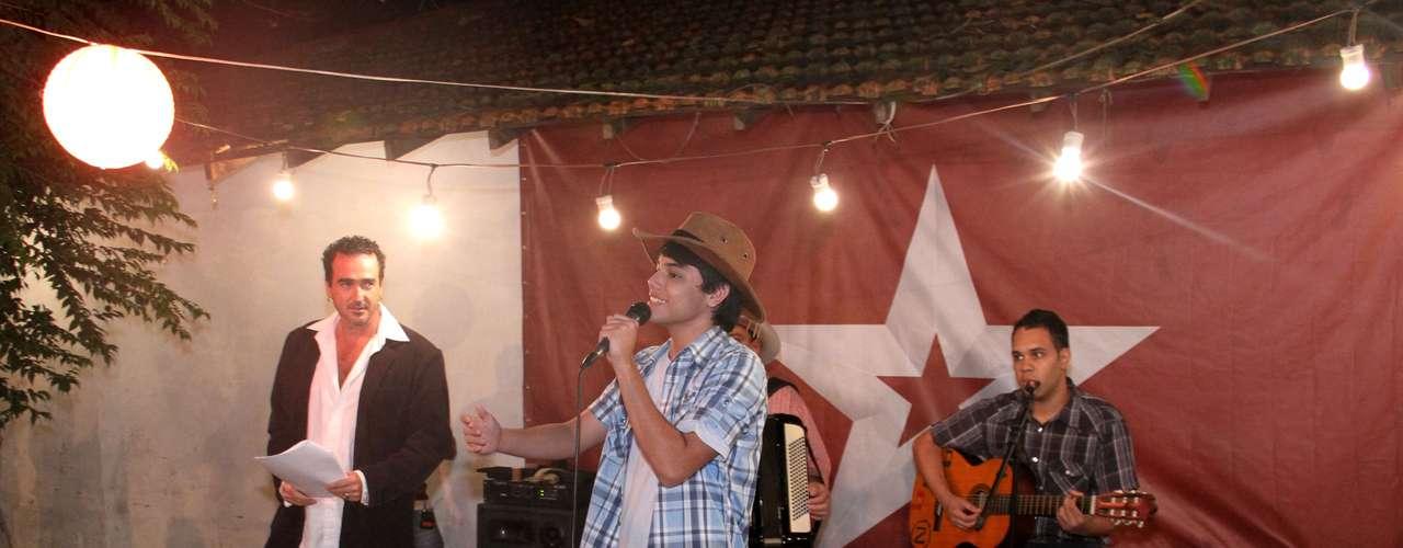 Canal Gloob lança nesta segunda, dia 14 de outubro, às 20h, sua primeira novela. 'Gaby Estrella' é toda gravada no estado do Rio de Janeiro, aposta em uma trama rural e, ao mesmo tempo, musical