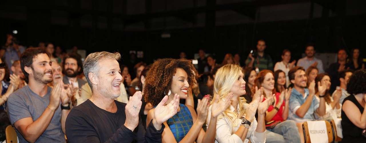 O elenco de 'Além do Horizonte' participou da coletiva de imprensa da nova novela das sete, da Globo, nesta terça-feira (15)