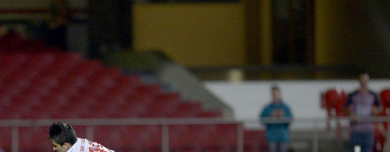 Sem o lesionado Luís Fabiano, Aloísio voltou a ser titular no São Paulo