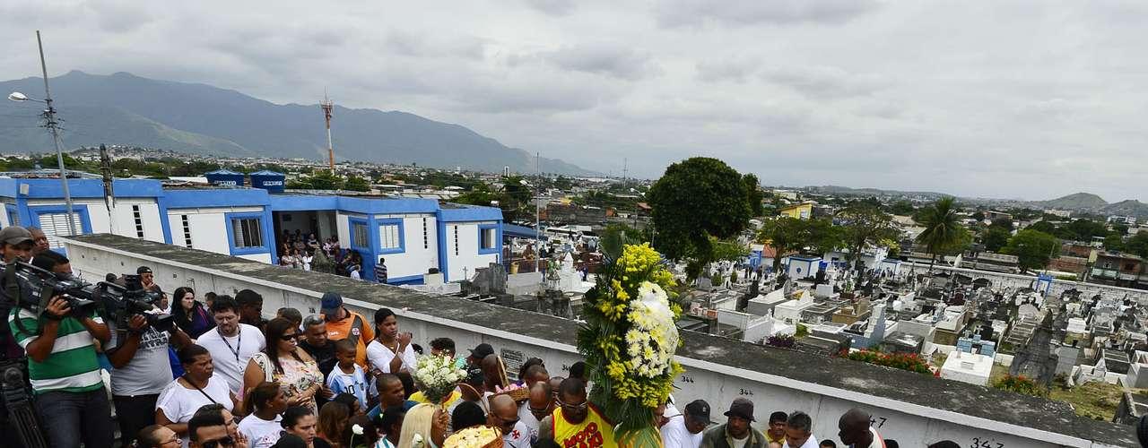 1º de novembro -Kayo da Silva Costa, 8 anos, foi enterrado no cemitério do Murundu, nesta sexta-feira