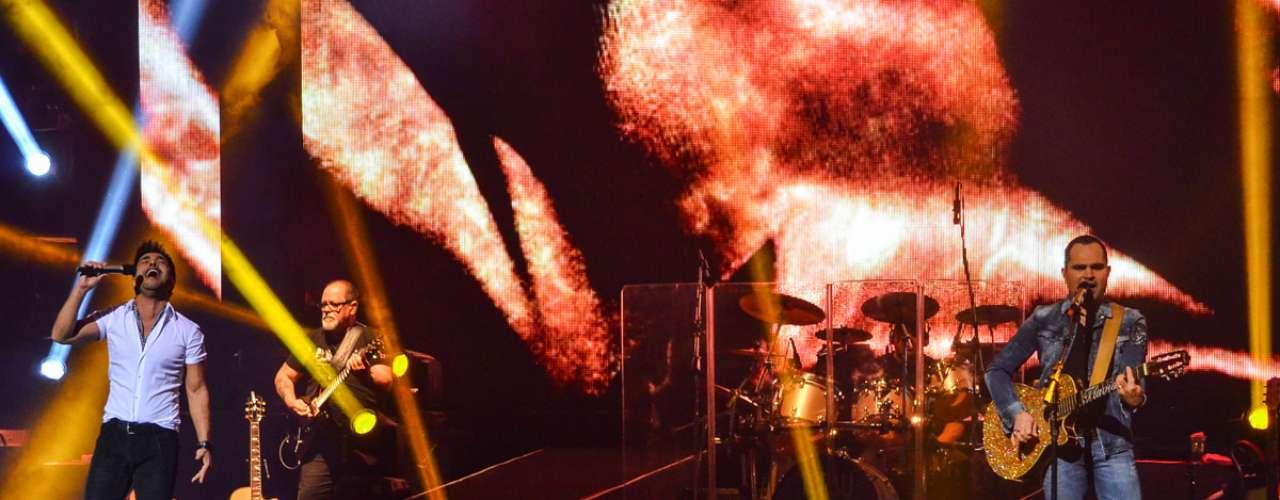 Zezé Di Camargo & Luciano fizeram o primeiro show da mini-turnê no Credicard Hall, em São Paulo