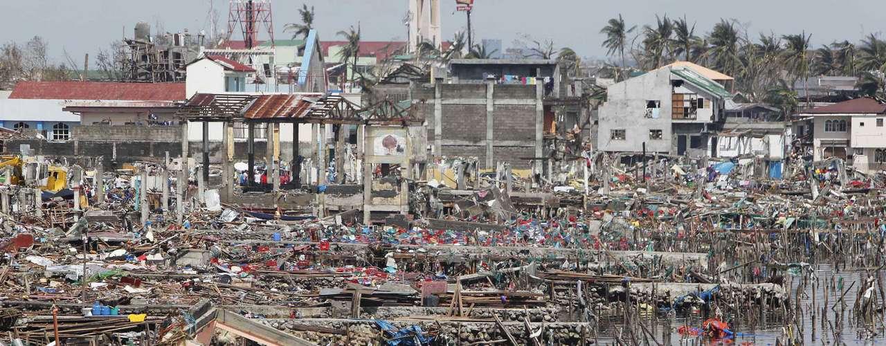 10 de novembro -Tacloban foi uma das cidades mais atingidas