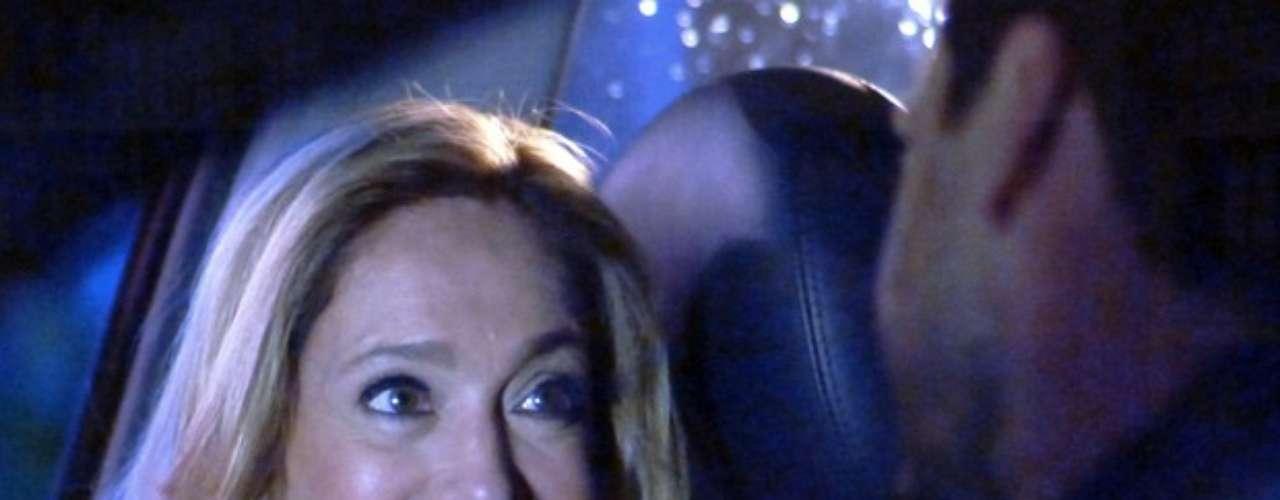 Pilar (Susana Vieira) aceita jantar com Jacques (Julio Rocha) e deixa Félix (Mateus Solano) morto de ciúme