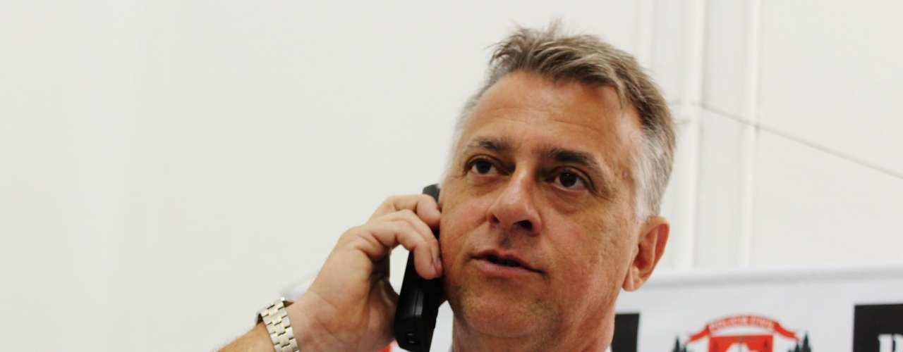 12 de novembro - Delegado Paulo Henrique Mateus de Castro procura novas provas para elucidar o caso