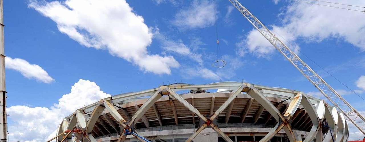 12 de novembro de 2013: Arena Amazônia recebe os últimos detalhes na reta final para a entrega