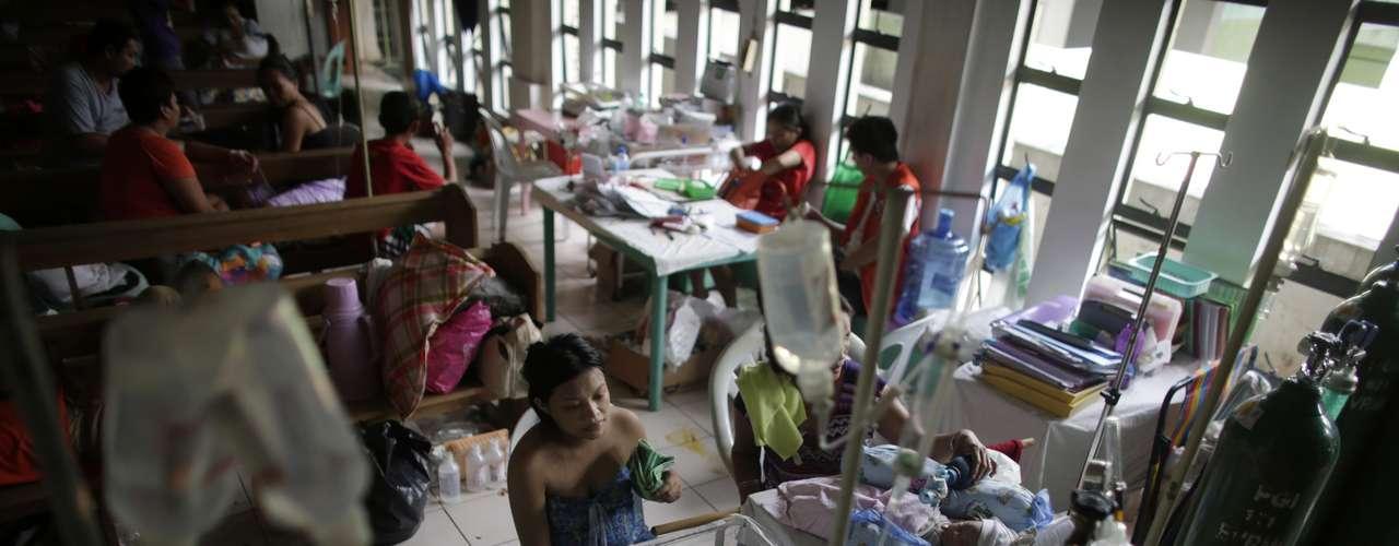 13de novembro-Na capela transformada em hospital, bebês lutam pela vida