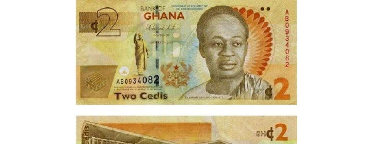 Um dólar pode comprar 2,25 cedis ganeses. Em 2007, a moeda de Gana foi trocada e um novo cedi passou a valer 10.000 dos antigos