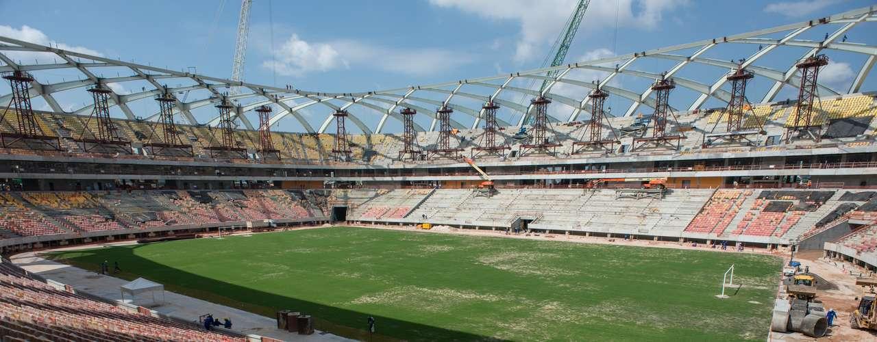 25 de novembro de 2013: Arena da Amazônia está perto de ficar 100% concluída