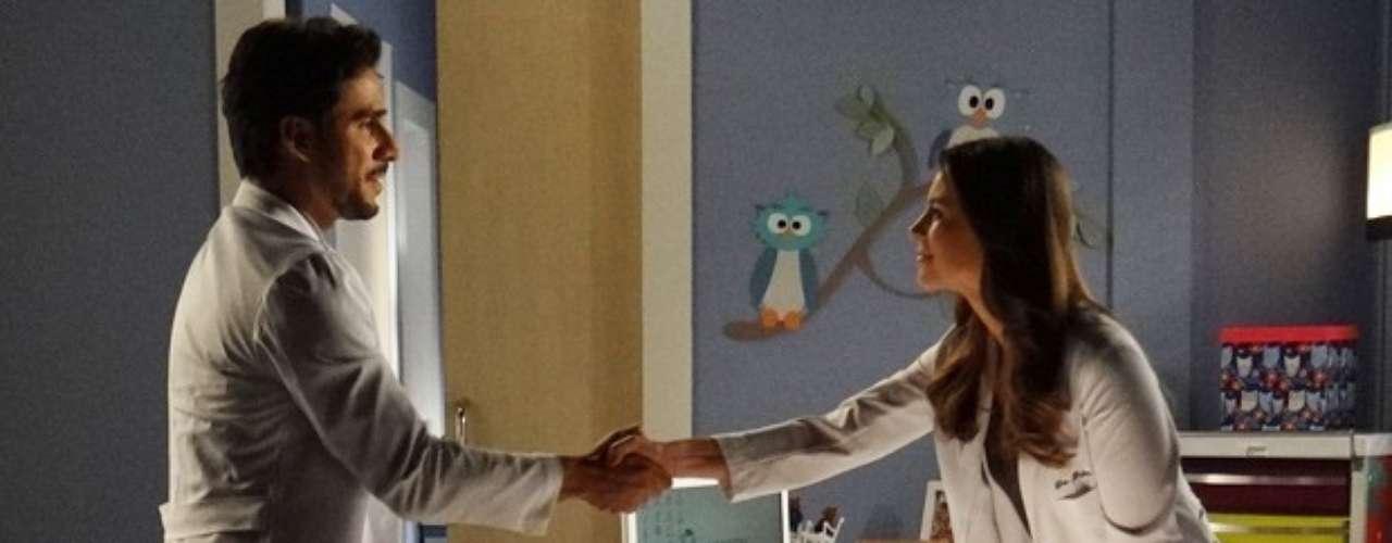 Jacques pede o cargo de cirurgião-chefe do San Magno para Paloma, mas acaba recebendo um corte da pediatra