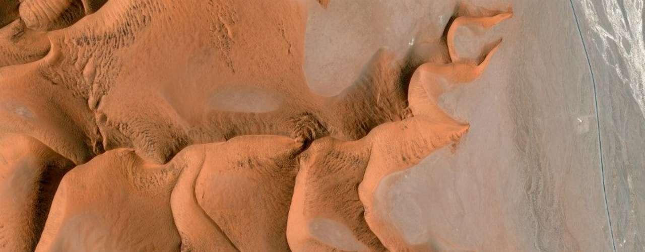 Deserto da Namíbia. A imagem mostra a região de Sossusvlei