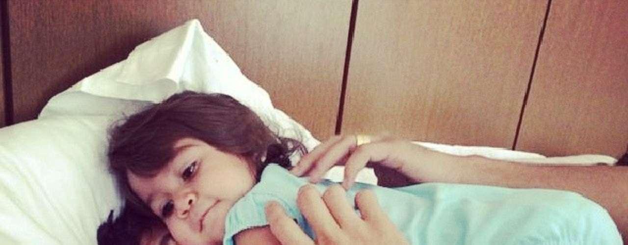 Paulo Henrique Ganso curte férias com a filha