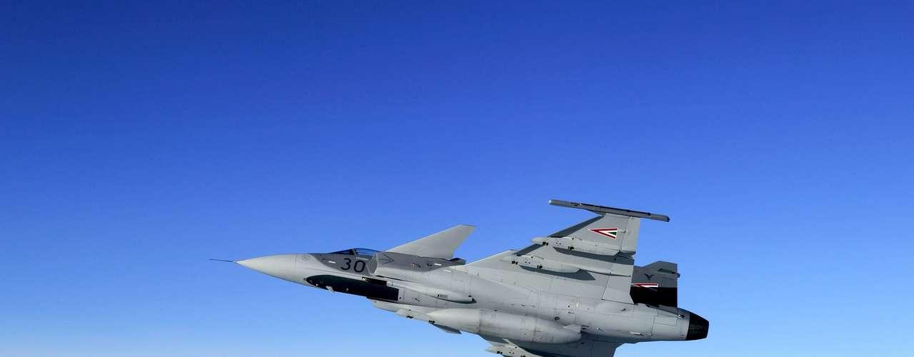 Gripen -Motor do caça apresenta uma baixa razão de diluição e eficiência no consumo de combustível