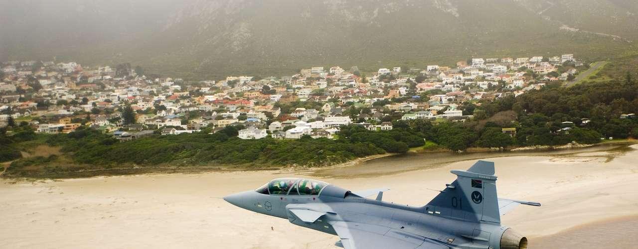 Gripen -Segundo a fabricante, caça tem maior alcance de detecção