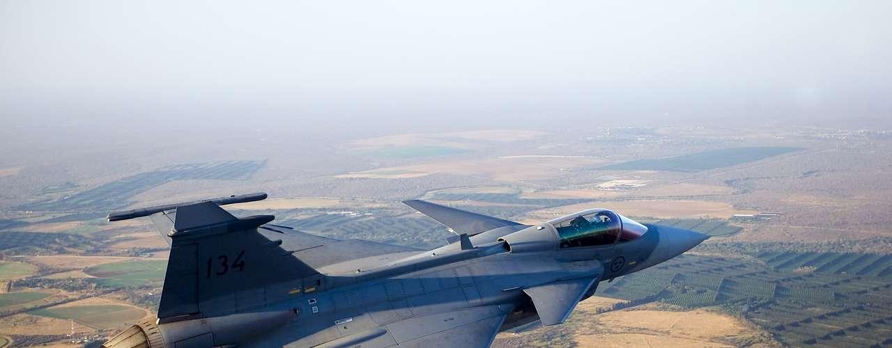 Gripen -Segundo a fabricante, caça tem melhores dados eletrônicos de suporte