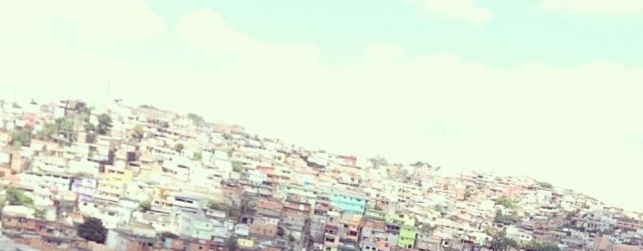 Leandro Damião, ex-Internacional e reforço do Santos, posta foto na zona sul de São Paulo