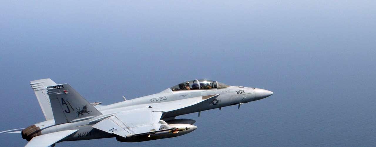 Super Hornet -A aeronave F/A-18E/F Super Hornet é construída pela Boeing
