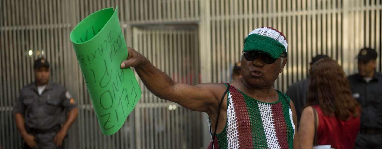 Torcedores do Fluminense fizeram festa com vitória no tribunal