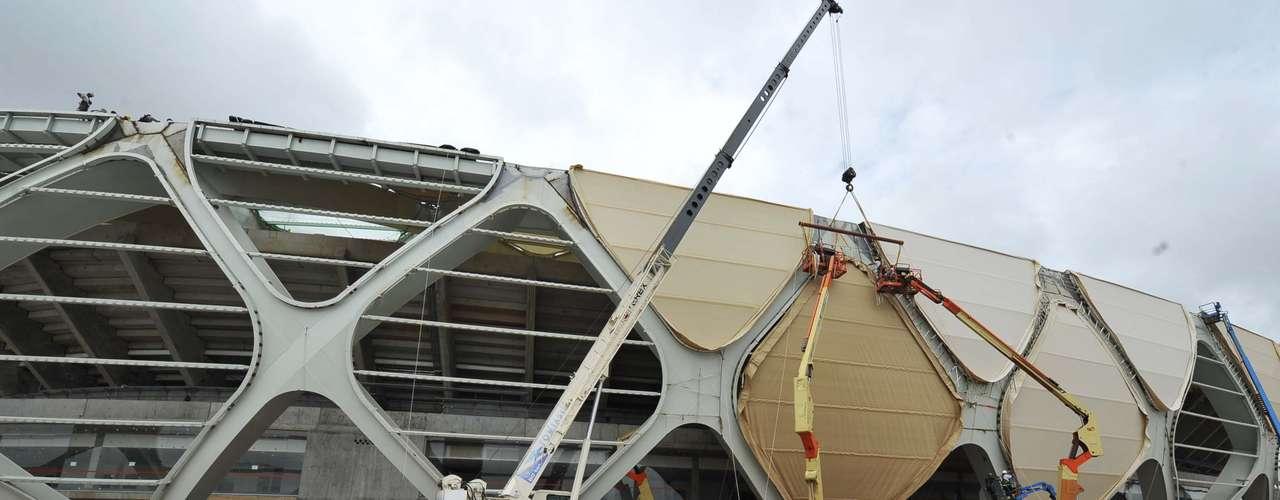 8 de janeiro:estrutura metálica ao redor do estádio é o destaque do projeto, mas ainda faltam muitos cuidados para que ela fique pronta