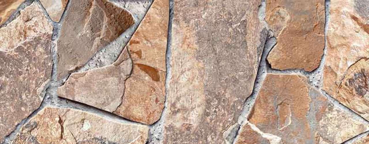 Os adesivos e cerâmicasimpressos em alta definição servem para forrar paredes e pisos. A Lef Cerâmicas tem modelos que imitam madeira, pedra e pastilhas. Informações: (19) 3429-7000