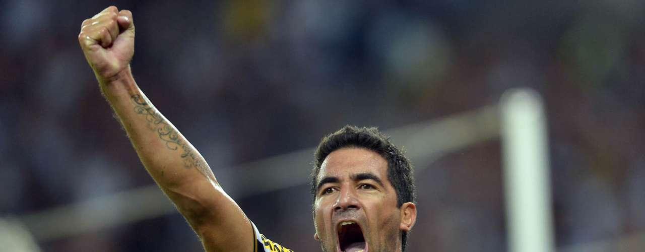Tanque Ferreyra desencantou e ajudou o Botafogo a estrear na fase de grupos da Copa Libertadores com vitória. No Maracanã, a equipe fez 2 a 0 no San Lorenzo; veja