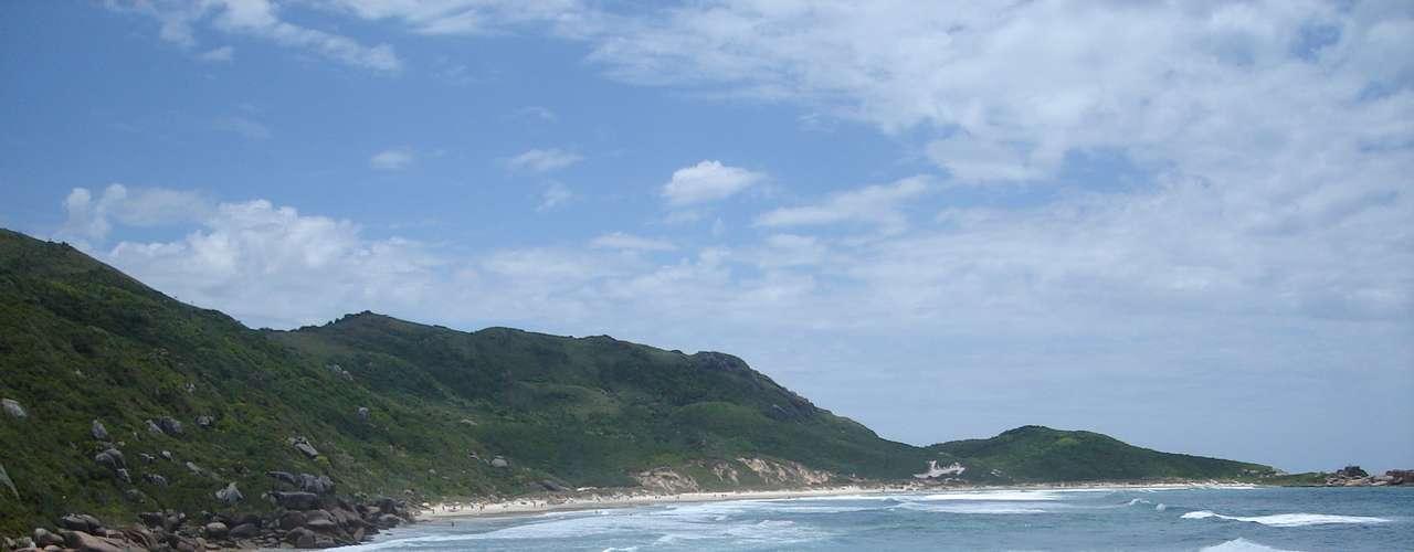 Praia da Galheta (Santa Catarina) A praia fica em Florianópolis, próximo aos pontos mais frequentados da cidade