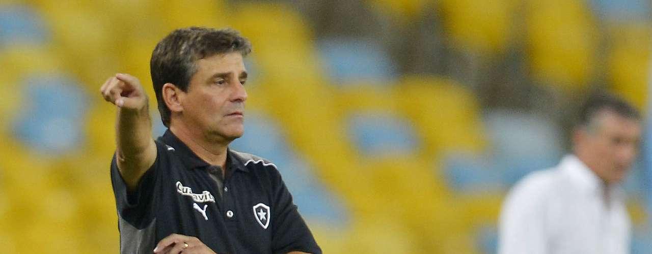 Eduardo Húngaro orienta Botafogo contra o San Lorenzo