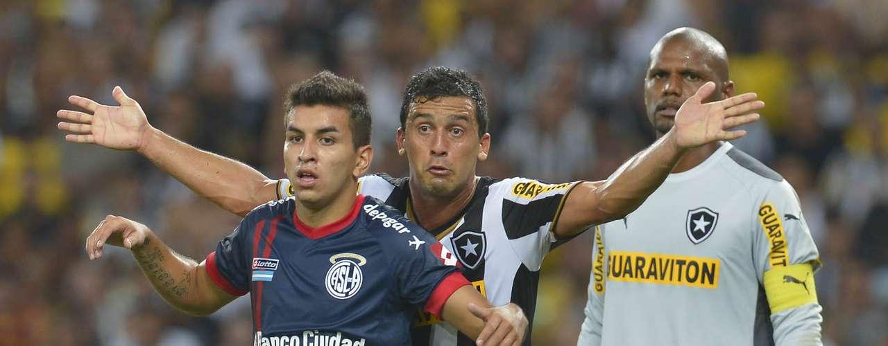 Botafogo segurou pressão do San Lorenzo no segundo tempo