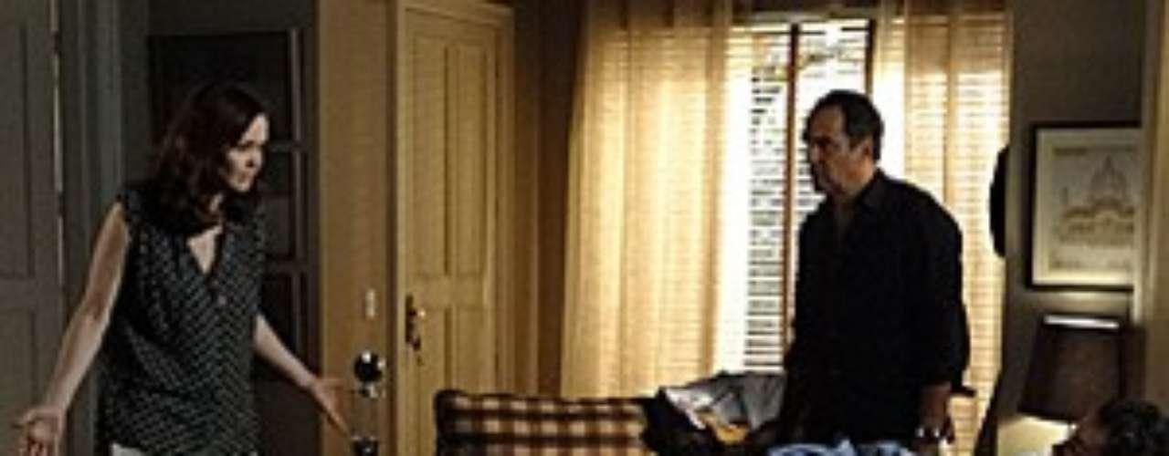Helena vai dar uma surra de cinto em Felipe, ao encontrá-lo bêbado novamente em casa