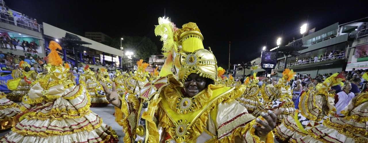 A Renascer de Jacarepaguá resolveu homenagear o caricaturista italiano Lan no Carnaval de 2014
