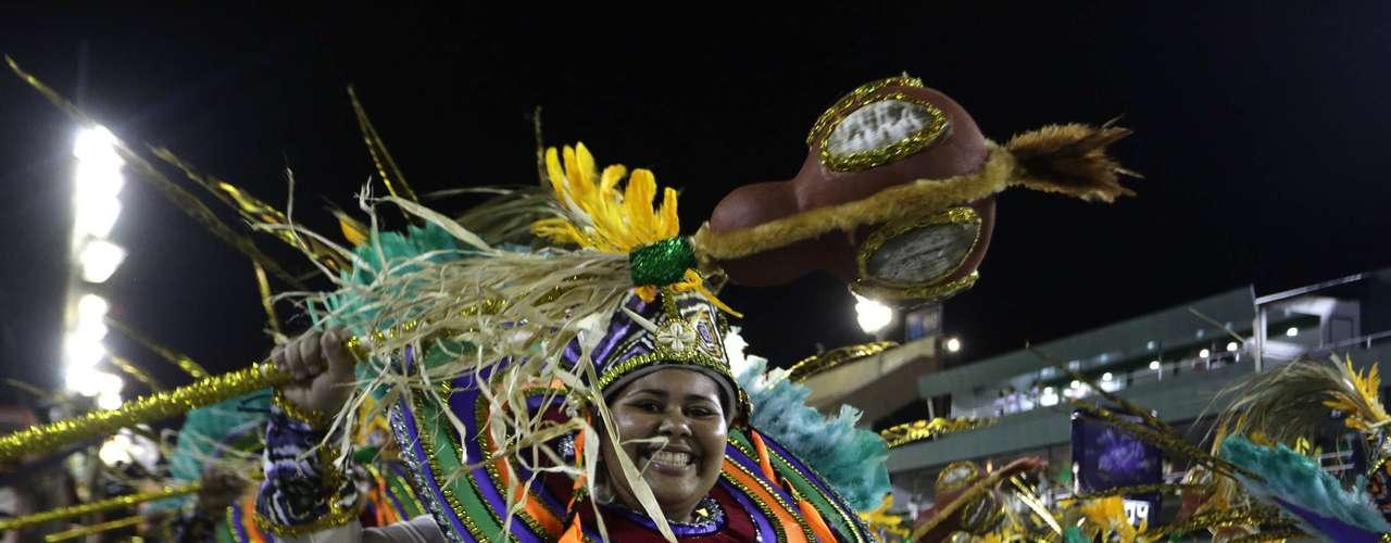 A União de Jacarepaguá entrou na avenida com o enredoOs Yorubás  A História do Povo Nagô , do carnavalesco Jorge Caribé.