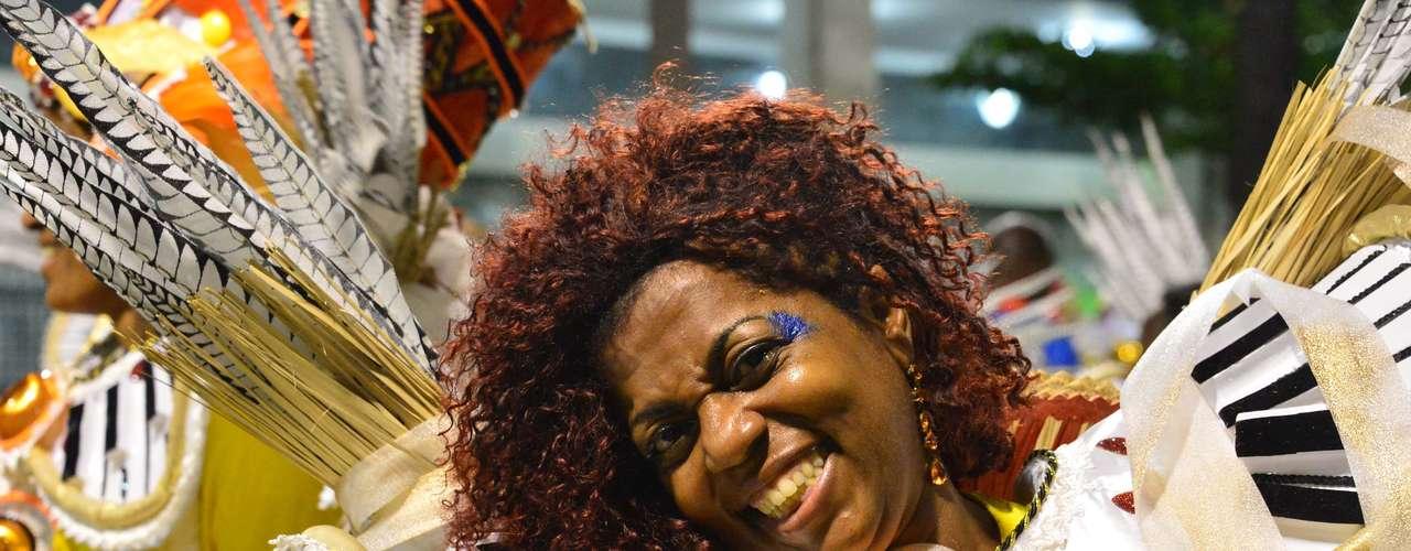 Com o enredo Triunfo da América  O canto lírico de Joaquina Lapinha, a Inocentes de Belford Roxo contou a história da primeira cantora lírica negra do Brasil