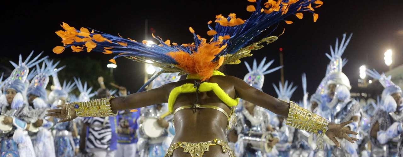 Para o Carnaval de 2014, a Paraíso do Tuiuti decidiu reeditar o enredo Kizomba  A Festa da Raça