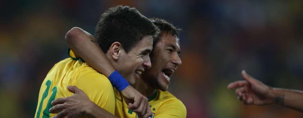 Brasil abriu o placar aos 9min do primeiro tempo, graças a Oscar
