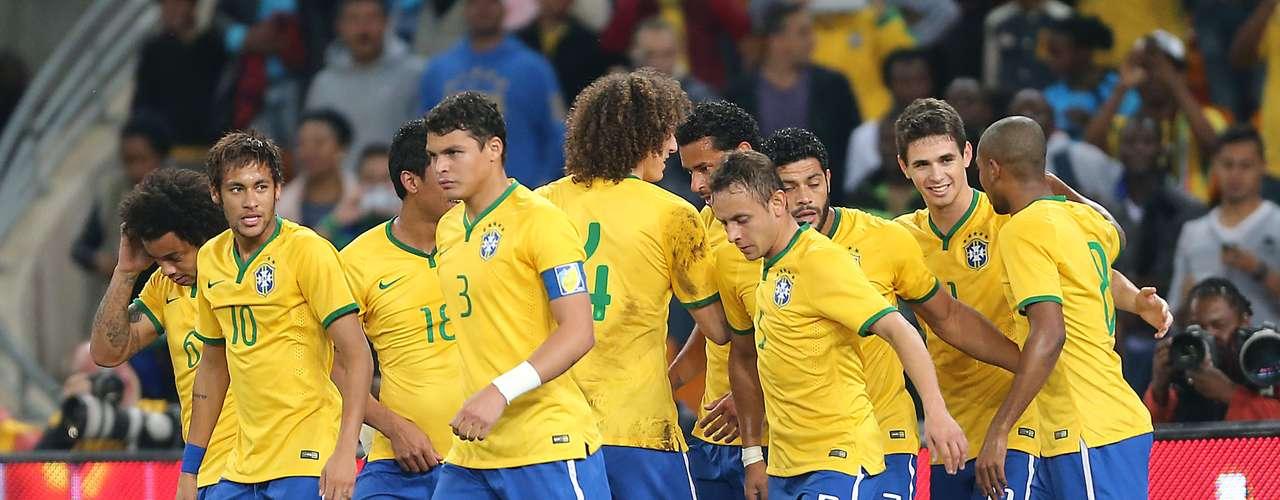 Com gol prematuro, Brasil passou a administrar o jogo e diminuiu o ritmo