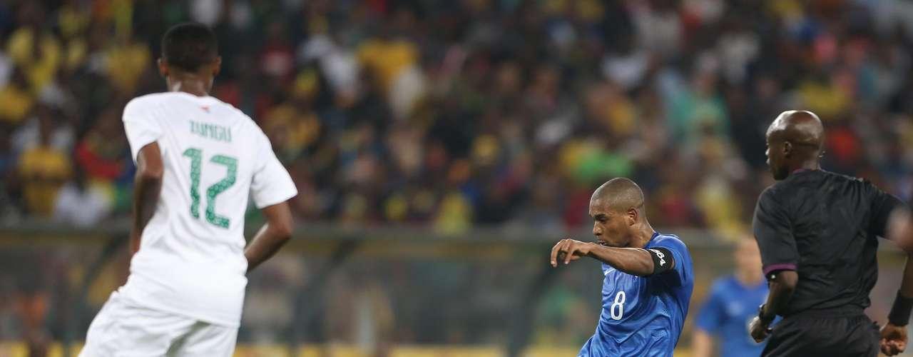 Quarto gol do Brasil foi marcado por Fernandinho