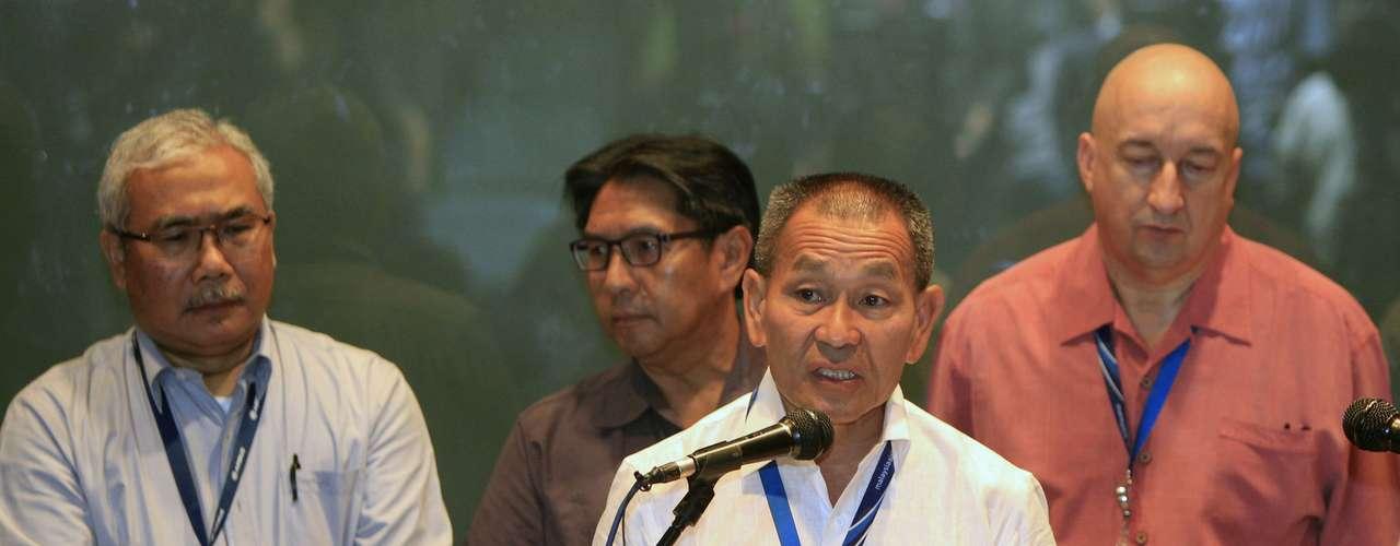 Ahmad Jauhari Yahyain, executivo-chefe da Malaysian Airlines Group, fala durante uma coletiva de imprensa em um hotel em Sepang, arredores de Kuala Lumpur, Malásia, neste sábado, 8 de março